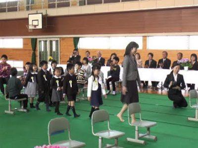 阿蘇市立山田小学校で最後の入学式